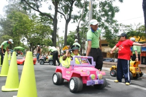 Kids learning about driver`s ed in Guatemala City