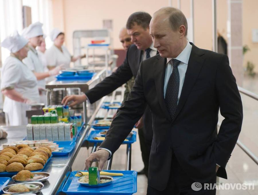 putin-russian-food-to-beat-mcdonalds